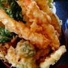 豪快な盛り付けの天丼がインパクト大「和食 すずき」