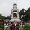 水の神様 プラ・メー・トラニーと、金のブッダが鎮座するワット・マハンナパーラーム(Bangkok)