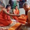 ラオスの仏教僧の備忘録(出家1日目)