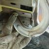 1971 マスタングマッハ1 デッキリッドヒンジの取り外し2