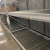 アメリカも近所のスーパーから物が消え始める…   パニックにならないで冷静に行動したい所です。
