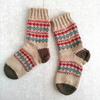 ほっこりひつじちゃんで編む、編み込み靴下
