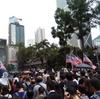 警察署前を無許可で占拠、アメリカ大使館前に数万人集結。香港デモのリアルな現場