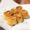 小ぶりでかわいい超簡単おつまみ!「餃子の皮のロール焼き」のレシピ
