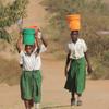 アフリカ タンザニア 月経のために小学校を中退する少女たち