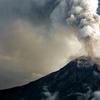 東工大と産総研ら 人工知能で火山灰粒子の形状を判別