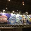 【遊戯王 最新情報】明日開催のYCSJの東京会場ホールの看板等が公開!海馬+ブルーアイズの巨大な看板が!
