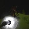 夜の雪上でガンプラを美しく撮影する方法は雪にLED照明を突っ込む!