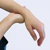 先日の鍼灸治療で腕の痺れ半減を体感し、間もなく48時間。