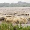 新潟・福島で短時間に記録的な大雨、避難指示も