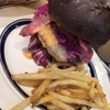 【J.S FOODIES】アメリカサイズのハンバーガー!エキスポシティでおすすめランチ