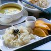 なぜ、マンゴーとモチ米を一緒に食べると美味しいのだろう?
