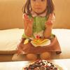 娘(と妻)が作ったケーキが、お世辞抜きですごく美味しい。感謝です。写真赤みが強くて、夕方みたいになっちゃったけど、朝です。 #脳内BGM #nouplaying #小川美潮 「4 to 3」