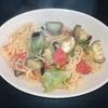 ホットクック 試作レシピ スープパスタコース調味料塩だけ、トマトとナスとレタスの野菜パスタ(1人分)