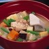 鹿児島県の汁料理「薩摩汁」に骨付きで使われる肉は