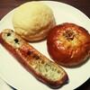 【アカリベーカリー】ガーリックトースト、メロンパン、あんパン