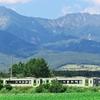 甲信越「週末パス」の旅 (3)八ヶ岳から浅間山へ 雄大な風景を駆ける小海線
