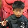 鈴鹿市のバーバーそらまめ。サッカー少年団選手のキッズカット、ツーブロック。