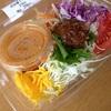 ピリ辛ドレの肉味噌ラーサラ@セブンイレブン