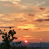 赤い夕日がぁ〜