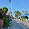 「シーチャン島」Tha Lang桟橋に上陸!!~まずは島の港町のレトロな街並を散策。。。
