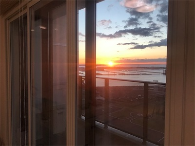 久しぶりに晴れた土日〜早起きをするとオレンジ色の朝日がさしこんできました〜