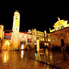 雨の夜明け、ドブロブニクは街がキラキラ煌めく