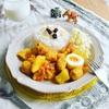 チキンボールとジャガイモと卵のインド風カレー