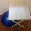 ついに我が家に机とイスが導入された