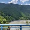 ダム湖周辺をサイクリング