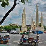 「民主記念塔 Democracy Monument」周辺を午前中にぶらぶら散策~「カオサン」からもすぐ近く!!