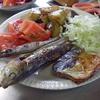 幸運な病のレシピ( 584 )朝;シシャモ、丸干しイワシ、塩サバ、ナスと豚の紫蘇味噌炒め、父の朝食
