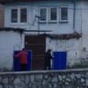 "Samir Karahoda&""Pe vand""/コソボ、生きられている建築"