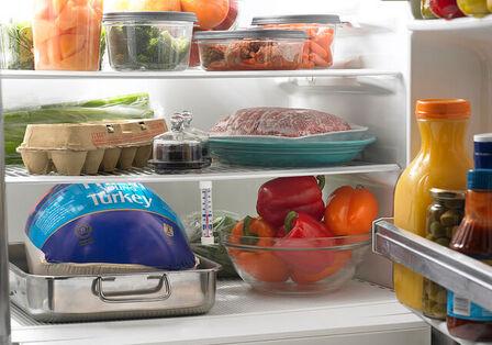 冷蔵庫をすっきり整理するコツ たくさんの野菜や作り置きおかずを上手に収納しよう