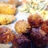 黒酢ミートボール、牡蠣フライ、マカロニサラダ
