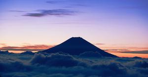 【旅行】憧れの富士登山は〝グラマラス〟に~星野リゾートが8月30日から4組限定で登山プログラム開催