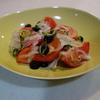 トマトと干しゴーヤとブラックオリーブのマリネ