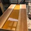 無垢材とコンクリートのサンドイッチテーブル