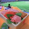 海鮮ゴージャス!【球場グルメ・東京ドーム編】札幌蟹工船の「味くらべ弁当」