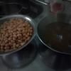 オールインワンのおかずパン(今回は大豆カレーパン)で朝食(なんなら昼食も)OK牧場!