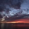 朝日と共に目覚め、陽が沈んだら早めに寝る。自然のリズムを感じて生活する。