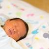 【ゆるジーナ】赤ちゃんが夜通し寝るのはいつ?生後2か月で夜通し寝ていた娘のスケジュール