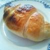 今日の朝ゴハンは塩パンやよ~(*´▽`*)ノ