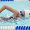 初級クロールと初級平泳ぎ