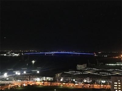 ゲートブリッジのライトアップ〜ブルー、 赤、 グリーン〜