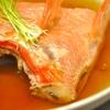 豊洲の「高はし」で地きんめ煮付<かま>、魚汁、あじ塩締め、鯛湯霜、水茄子ほか。