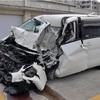 78歳の車逆走、トラックと正面衝突し2人死傷