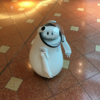 羽田空港ではロボットのcaiba(かいば)君を探してコミニケーション取ってみると技術の進歩に驚いて楽しい