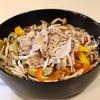 夏野菜と豚肉のオイル蒸し
