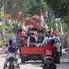 ムラピ山の村での独立記念日行事(1)